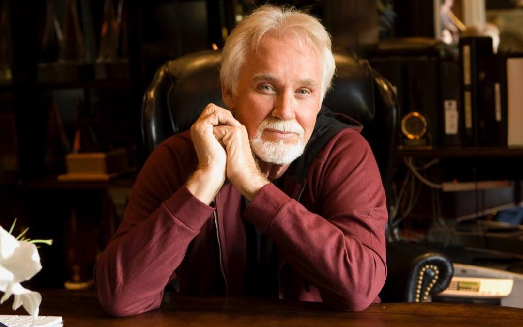 Kenny Rogers, cantor country, morre aos 81 anos
